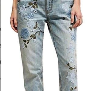 Free People Jeans - FREE PEOPLE light blue wash embroidered jeans.